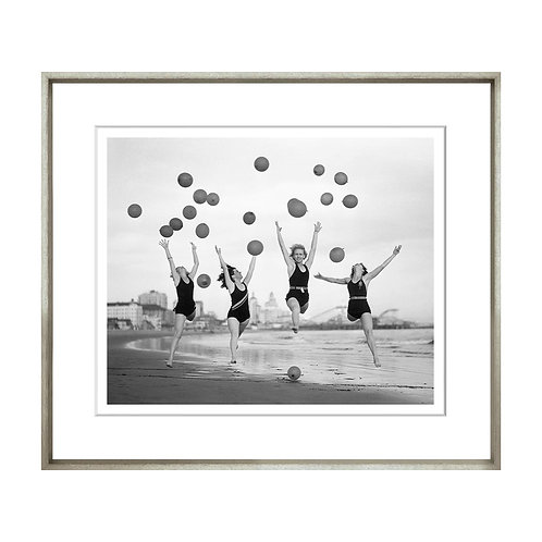 Black & White Balloon Dancers Art