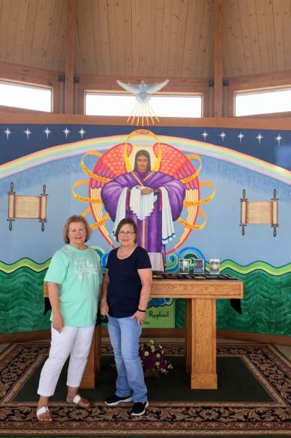 Austin visitors, sisters Jennifer and Linda … August 26, 2018