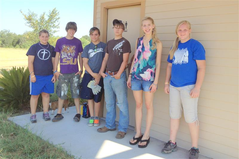 Flatonia Baptist students Tanner Tipton, Patrick Kellar, Nikki Crysel, Jacob Mason, Summer Intern Camille Mica, and Thayne Tipton volunteer as part of their summer missionary work … July2, 2013