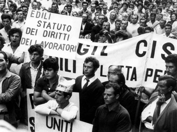Una mobilitazione dei lavoratori al termine degli anni sessanta.