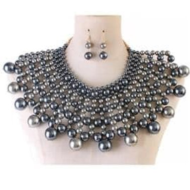 Chunky Pearl Collar Necklace Set