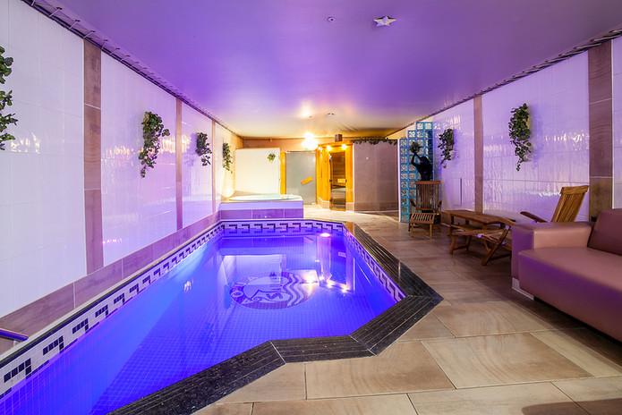 Privé-sauna: complete wellness (zwembad, jacuzzi, Finse sauna, infraroodcabine, stoomcabine)