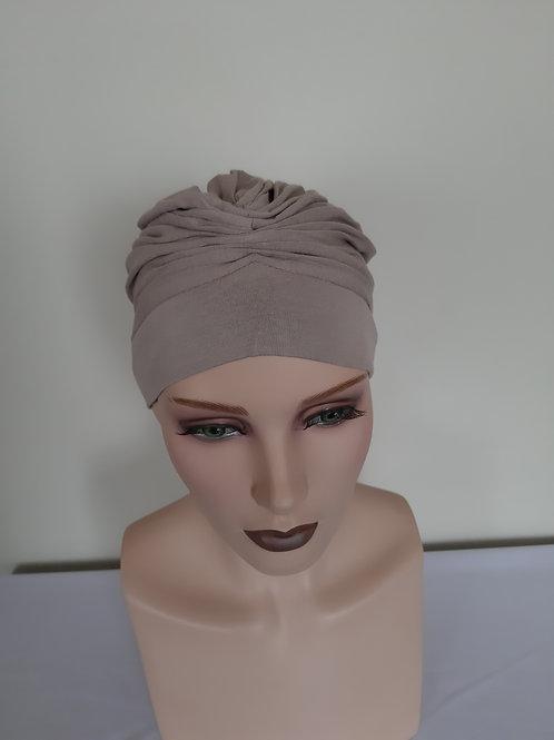 Turbante  beige de algodón , para personas que estén pasando por un tratamiento de quimioterapia o radioterapia