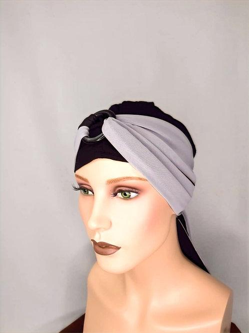 turbante con pañuelo negro y gris