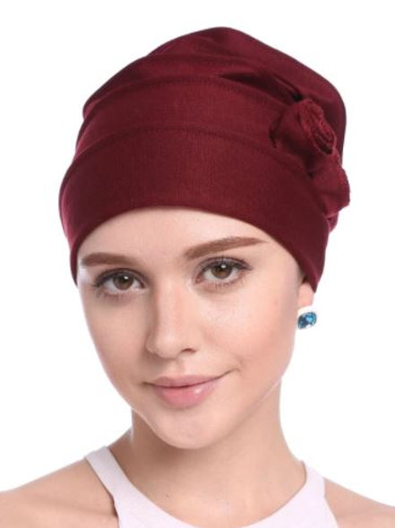 Turbante con detalles  color conche vino