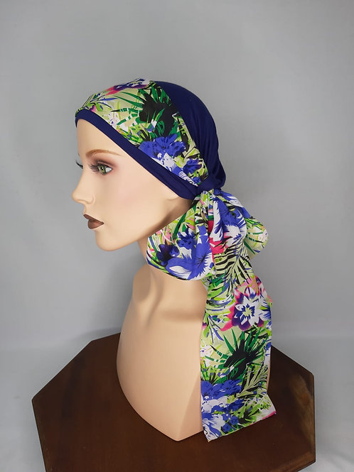 turbante de color azul ,con base de tela de bambú con pañuelo estampado