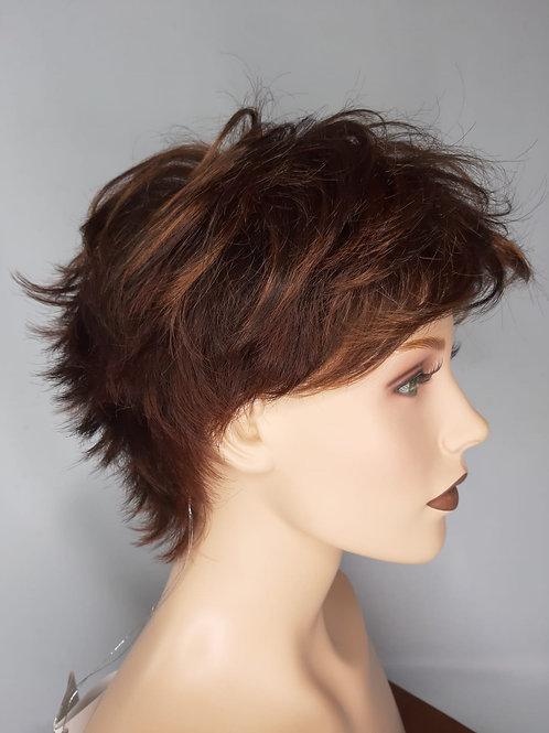 pelucas que se ven muy naturales por su corte y estilo