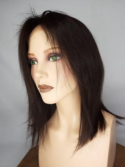 peluca en colorcastaño natural, largo mediano , indetectable con lace front y monofilamento ,para crear un efecto de raya