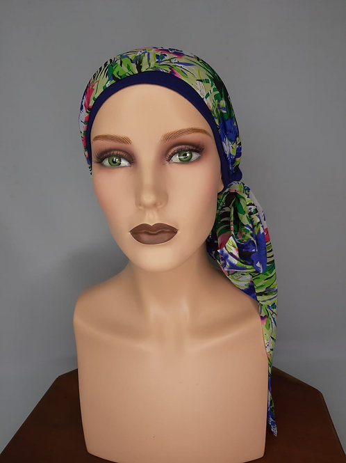 turbante de color azul ,con base de tela de bambú con pañuelo estampado
