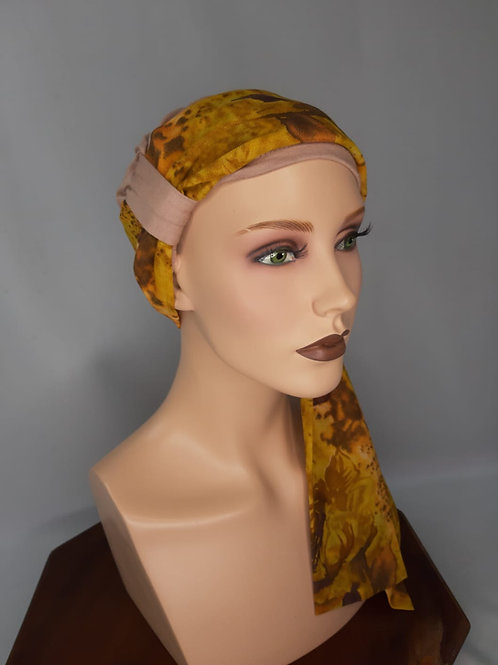 turbante,gorrita con pañuelo ,para pieles sensibles color beige