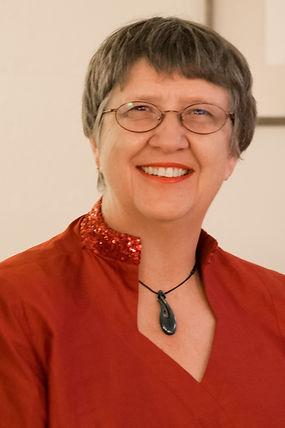 Elise Bradley - photo portrait.jpg