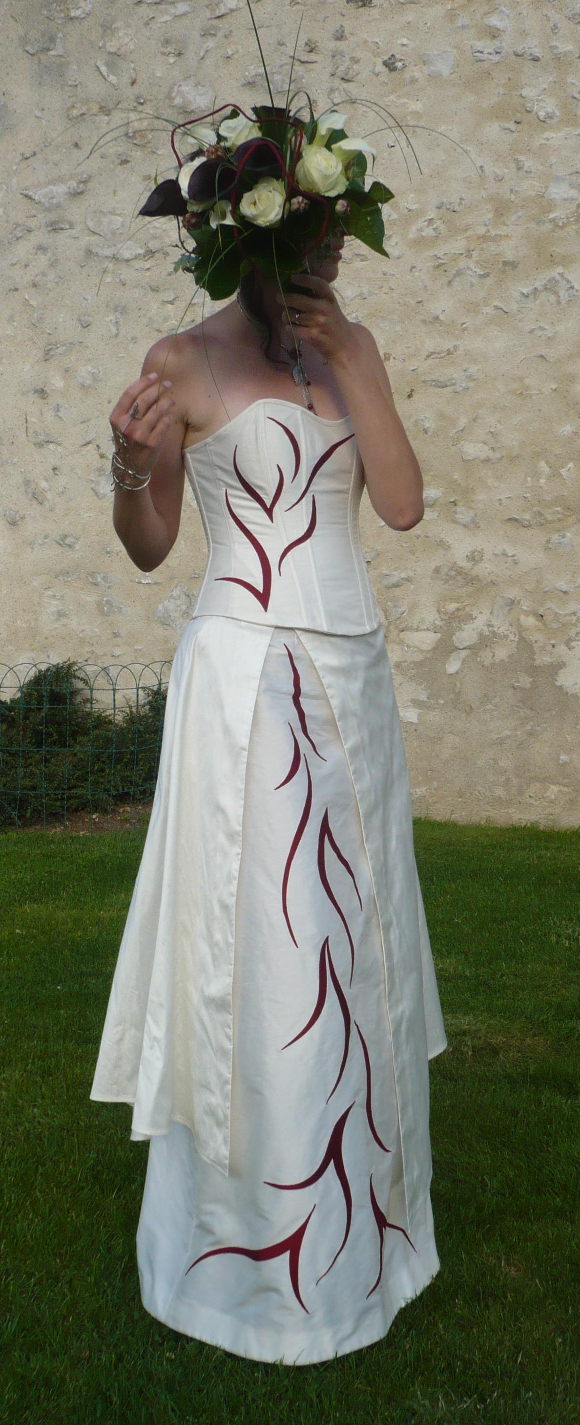 mariée habillée de soie