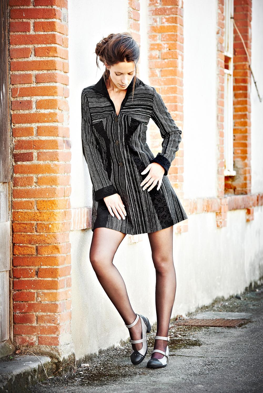 veste à découpes droites