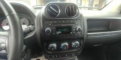 2011 Jeep Compass (14)