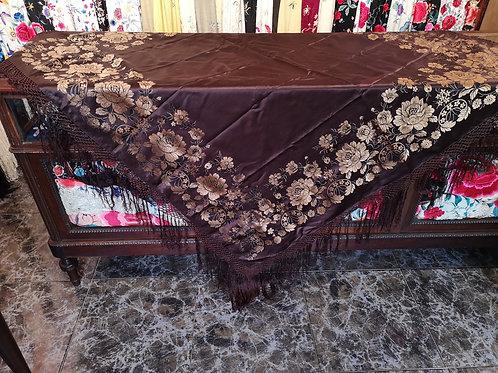 Maravilloso mantón antiguo adamascado