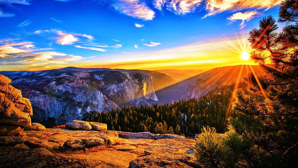 sunrise-in-the-mountains
