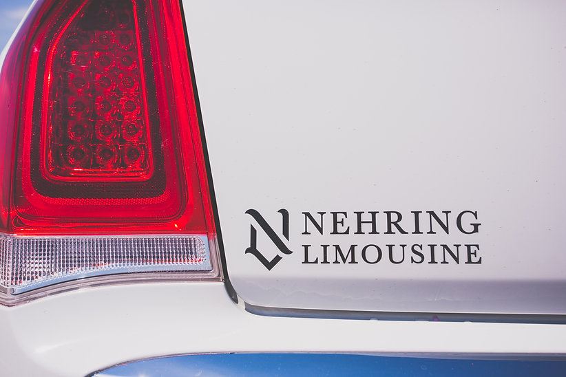 Chrysler Limousine , Escalade, Maserati Limousine
