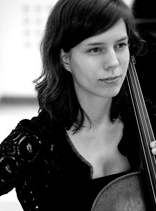 Anna Menzies Cello Cellist