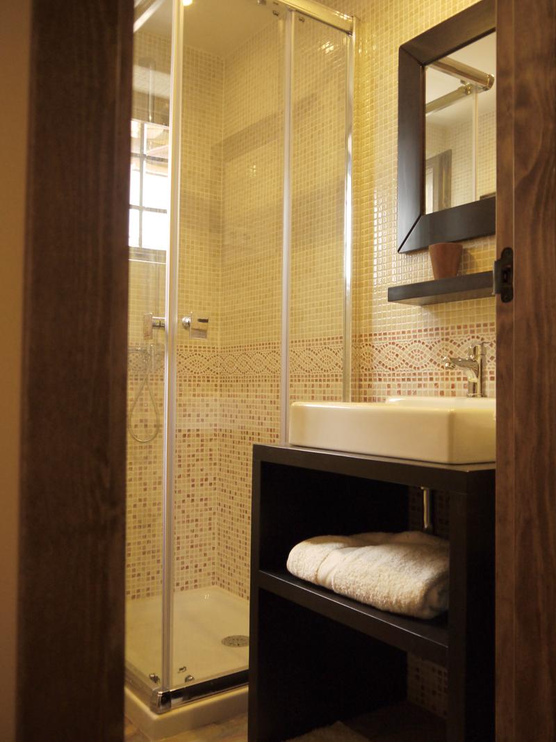 Baño en suite habitación 2