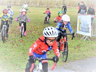 Une belle équipe de l' UVPoitiers au cyclo-cross de Châtellerault !!