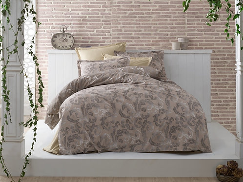 Tangled In Beauty Bedset