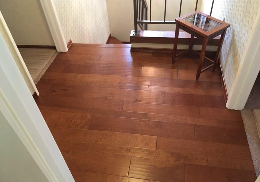 Hardwood floor glue down installation.jp