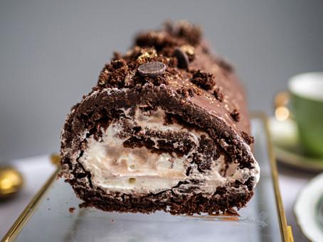 Rolada czekoladowa z kremem z białej czekolady i tahini - pyszna, słodka dama na specjalne okazje!