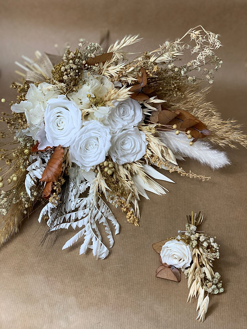 White & Tanned Bouquet