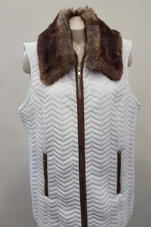 CHICO's Sz 3 Off White Quilted Vest w/ Removable Faux Fur Collar/Sz