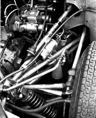 Nomad Ford 1600 John Blunsden test 67 Engine detail.jpg