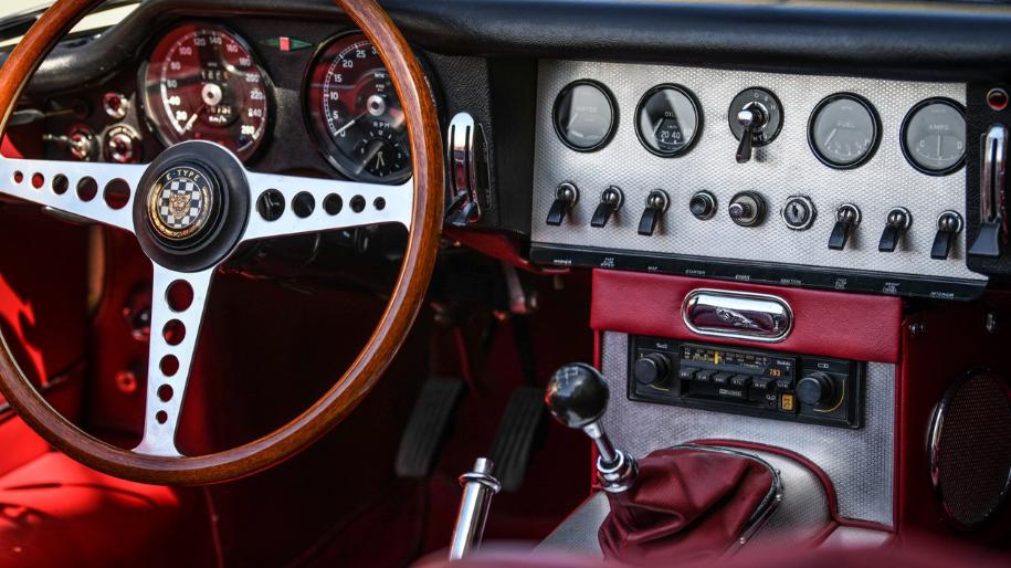 jaguar e type roadster 1961 for sale 4.p