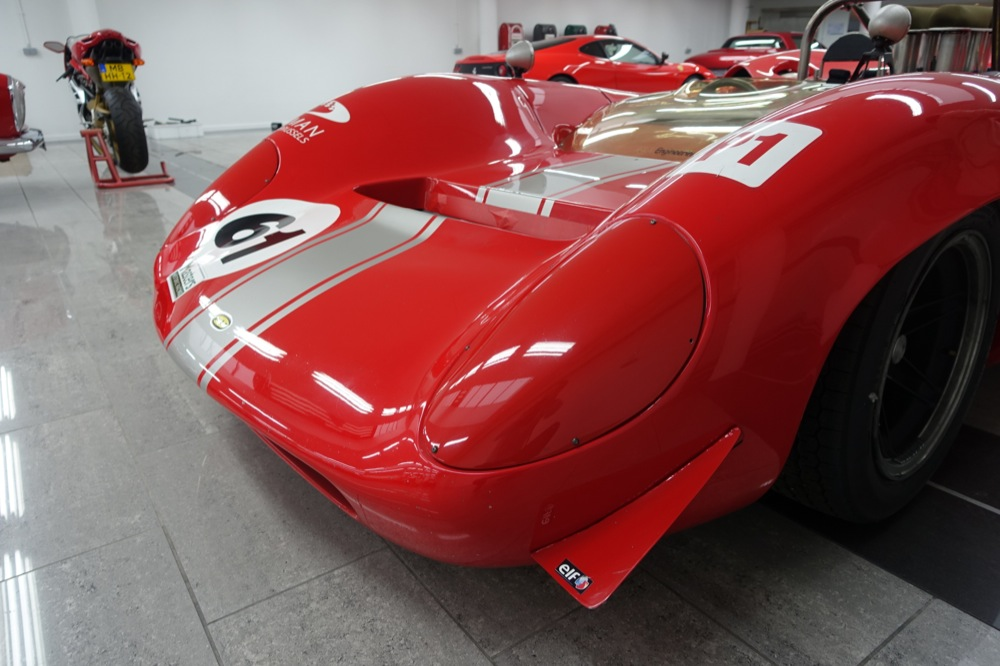 LOLA T70 MK1 FOR SALE 3.JPG