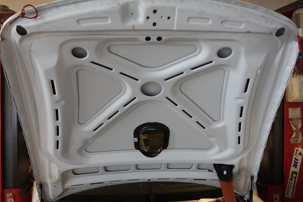 PORSCHE GT3R 32