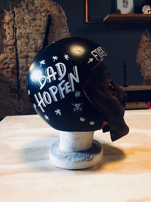 BAD HOPFEN - Capacete decorativo