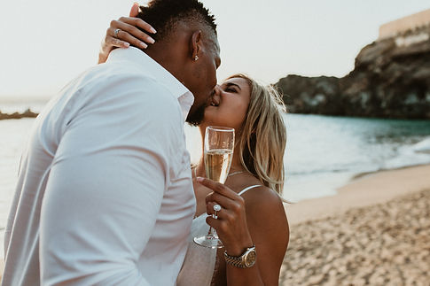 surprise proposal on the beach in Tenerife, Licandro weddings