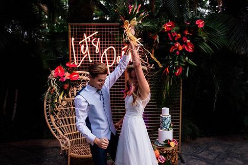 Licandro Weddings, wedding decoration tenerife,  Finca Wedding Tenerife, neon wedding signs