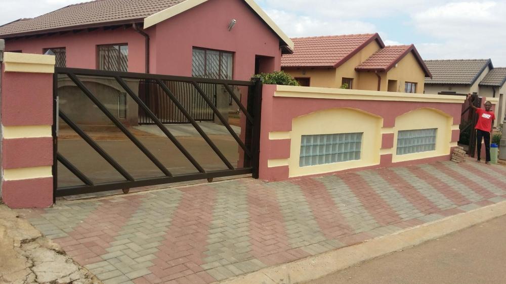 _aluminium-windows-sliding-gate 2