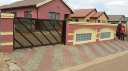 _aluminium-windows-sliding-gate 2