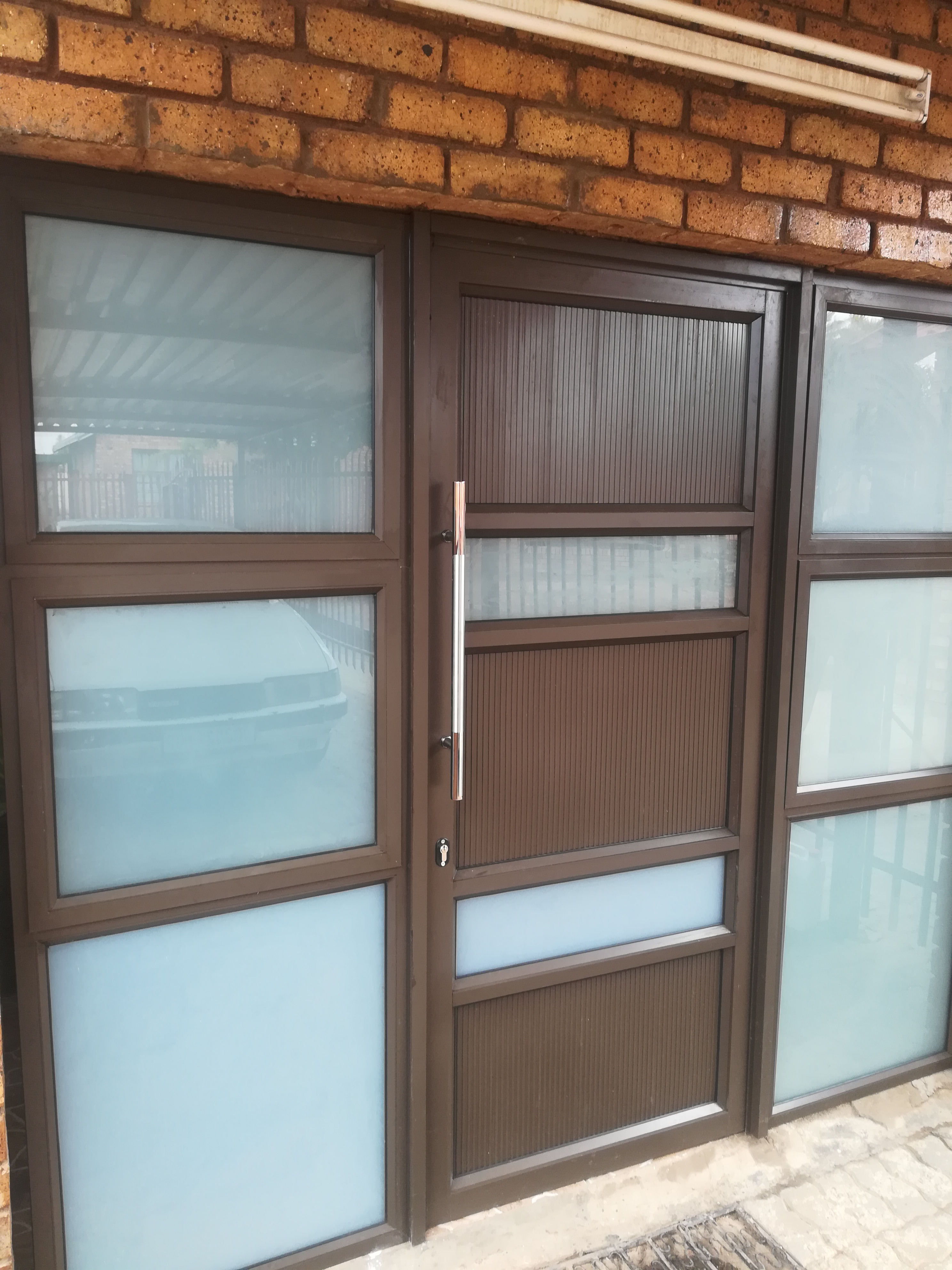 Aluminium Entrence Door With Sidelite