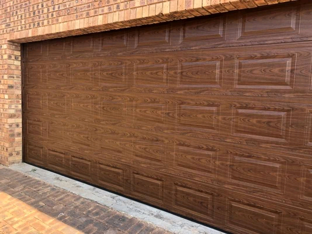 PD DOUBLE DOOR WOODLOOK