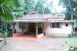 ravis house.JPG