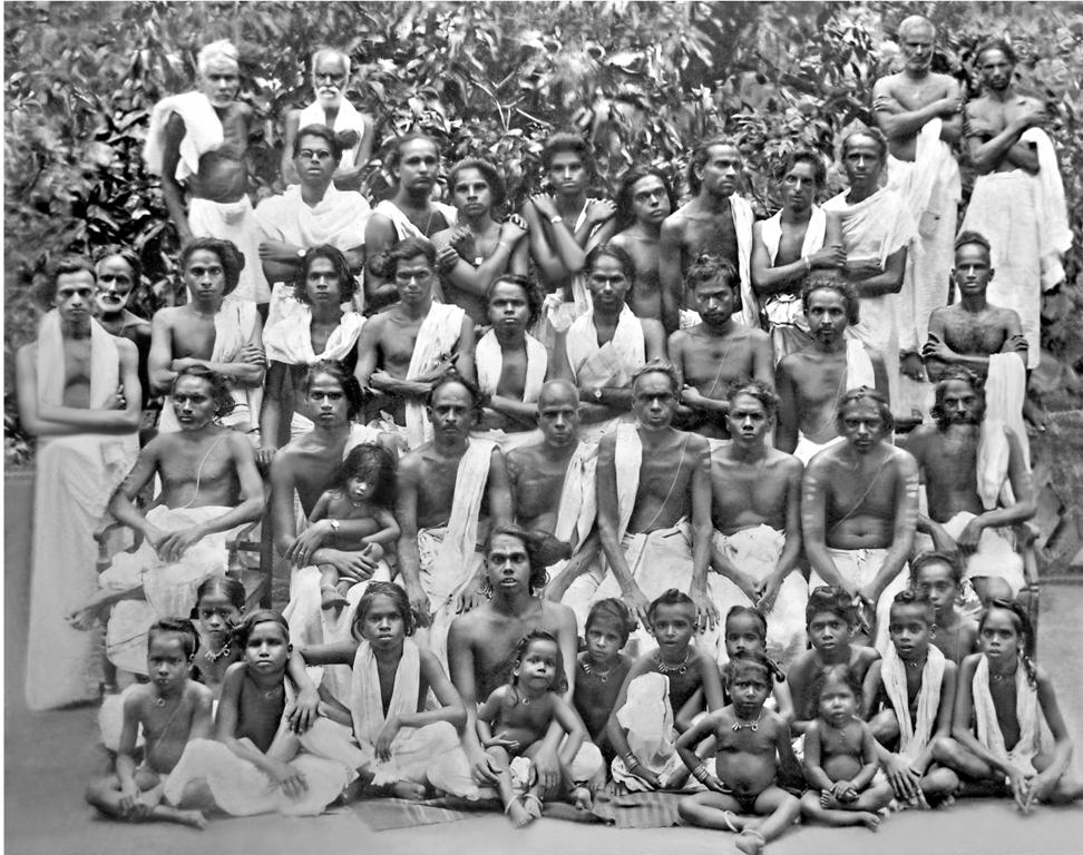 group photot 1928.jpg