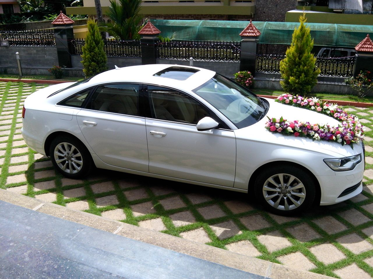 Wedding Cars in Thengana