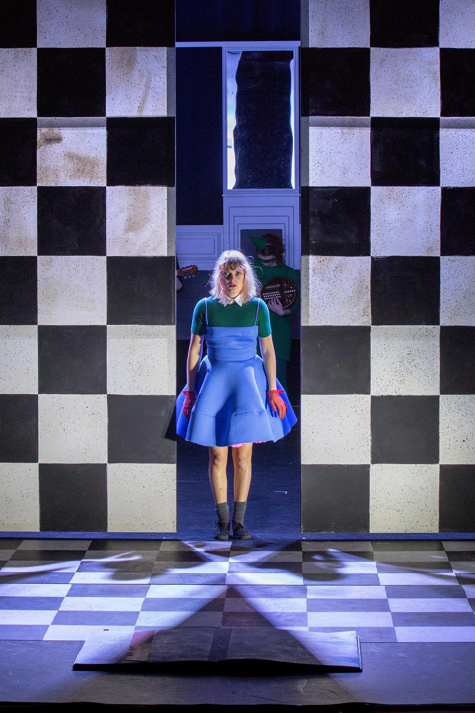 Alice in wonderland_Maastheater