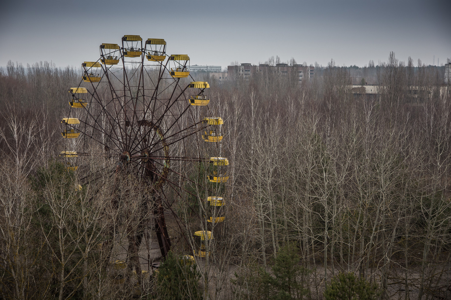 Grande roue de la fête forraine