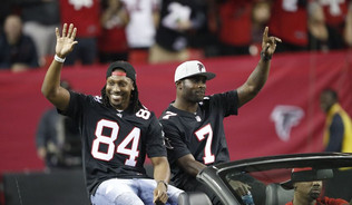 Falcons To Honor Michael Vick And Roddy White