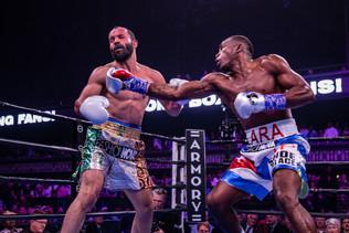 (Watch) LARA KNOCKS OUT ALVAREZ FOR WBA SUPER WELTERWEIGHT TITLE