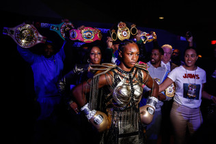 CLARESSA SHIELDS MAKES HISTORY WITH THIRD DIVISION TITLE!