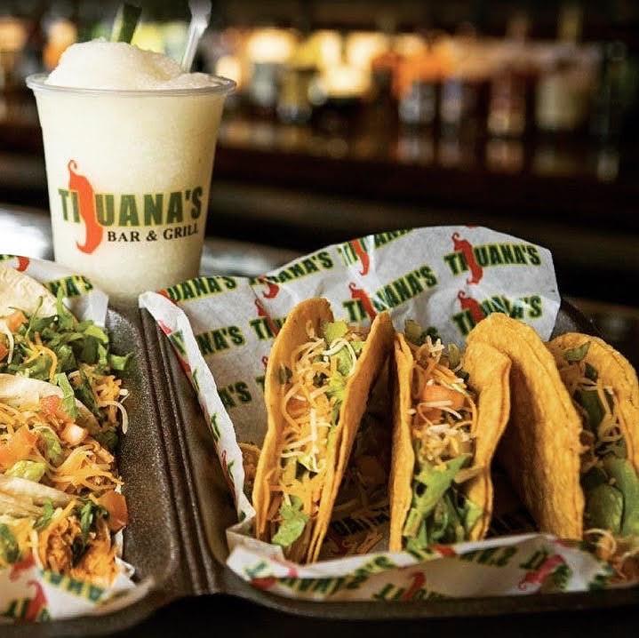 Trío de Tacos de Tijuana's Bar & Grill, Mall of San Juan