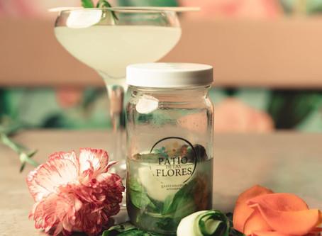 Flores y cocteles To-Go ready para el Cuatro de Julio